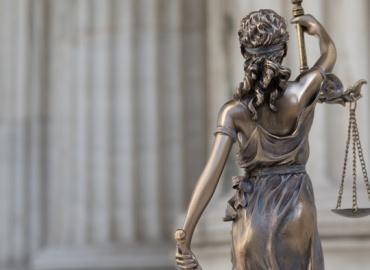 Las preguntas del Tribunal de Sentencia, ¿Pueden ser objetadas?  Sobre el protagonismo del juez en la decisión y no en el debate